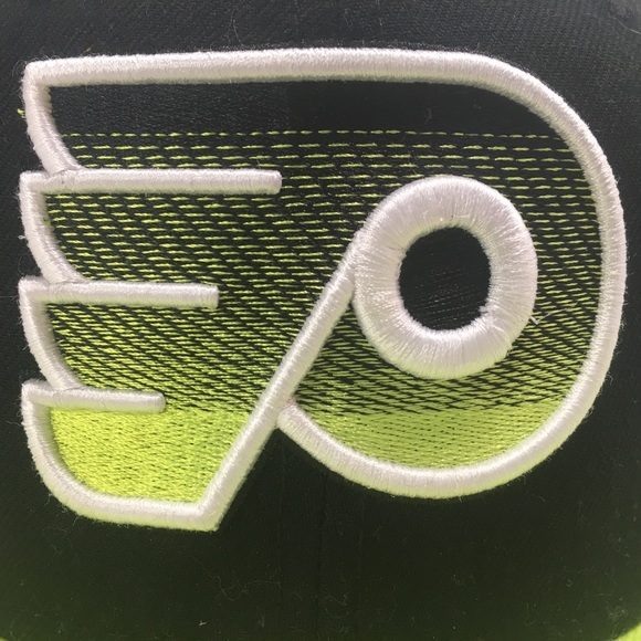 Other - New Era NHL Philadelphia Flyers Fitted Hat